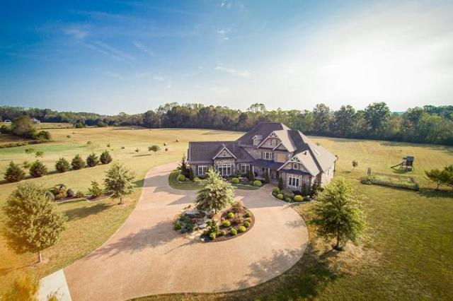 Estate in Southern Woods neighborhood – Cookeville, Tennessee